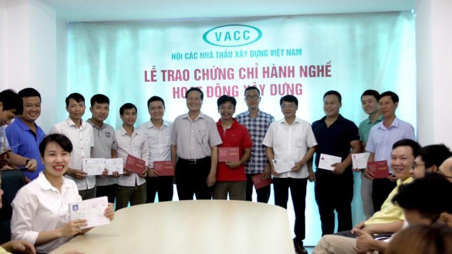 VACC tổ chức giao chứng chỉ hành nghề hoạt động xây dựng!